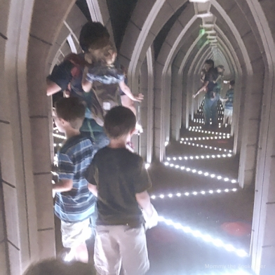 ripleys-marvelous-mirror-maze-1300